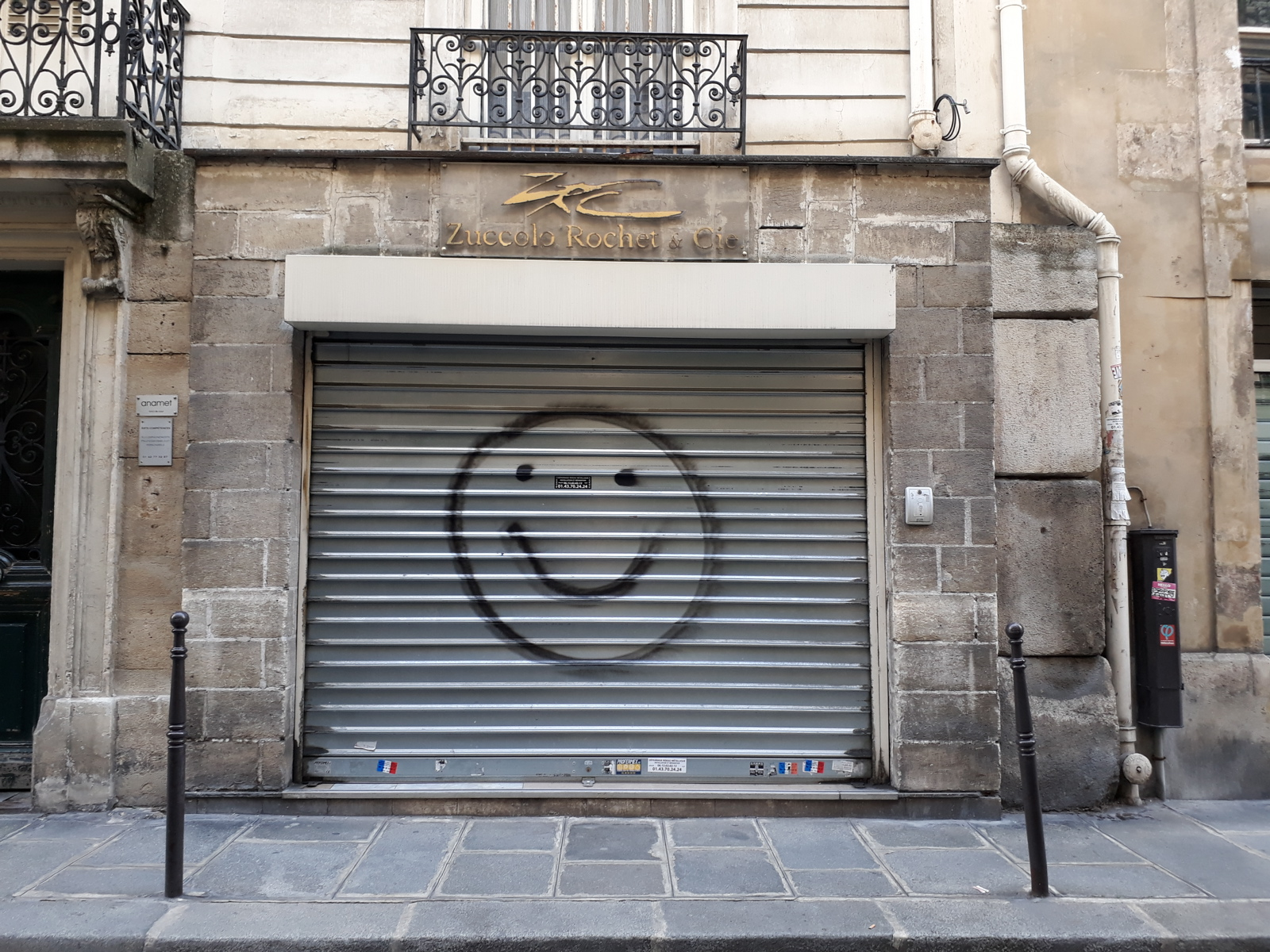 graffiti Smiley