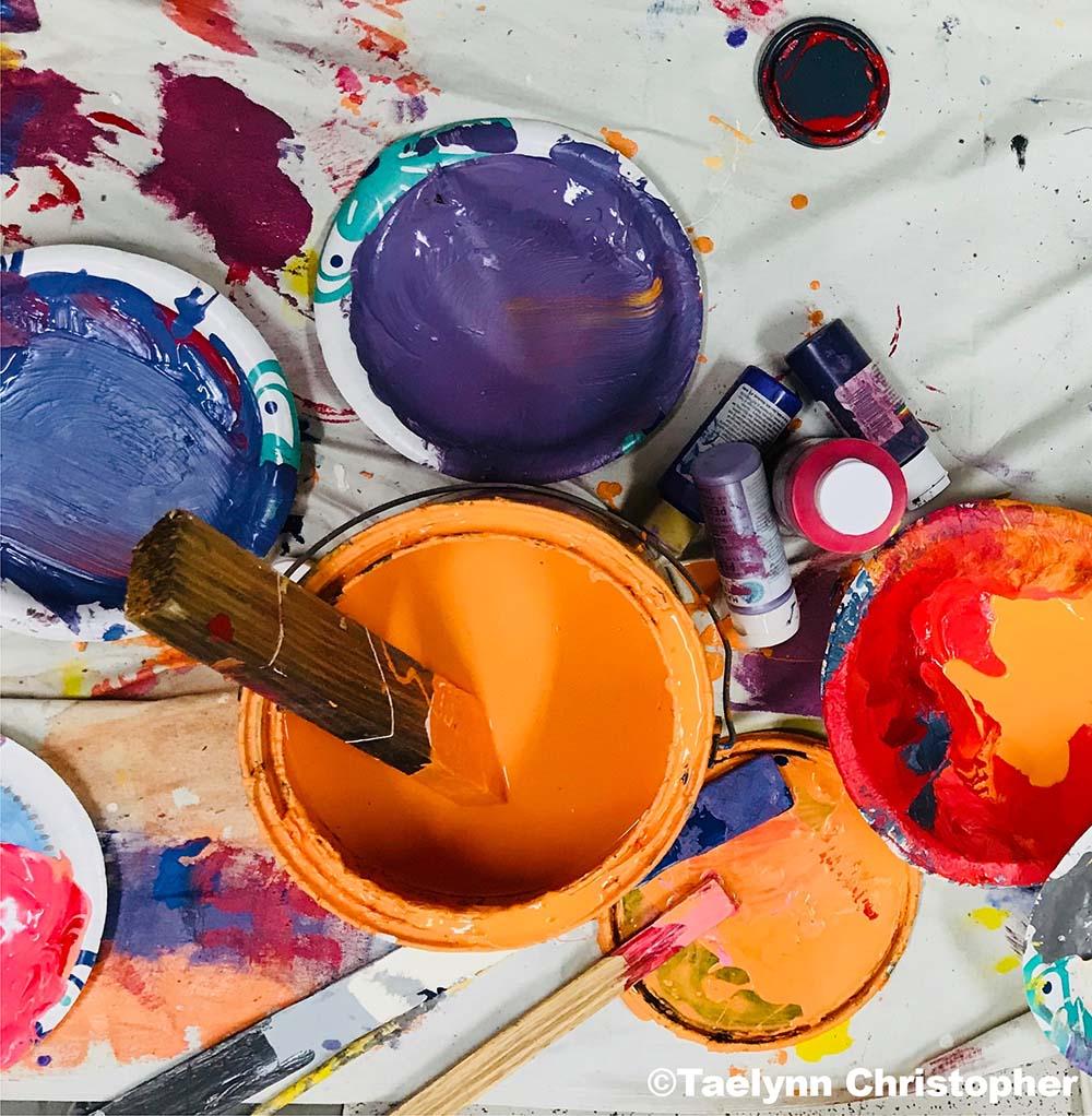 Pots de peinture par Taelynn Christopher